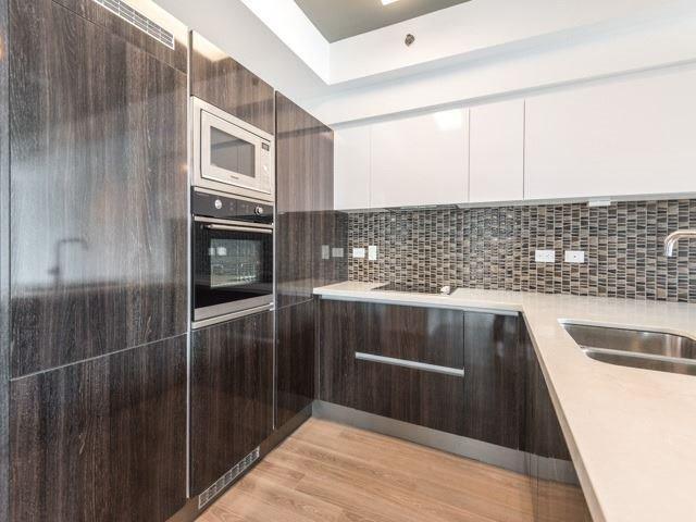 Condo Apartment at 220 George St, Unit 305, Toronto, Ontario. Image 8
