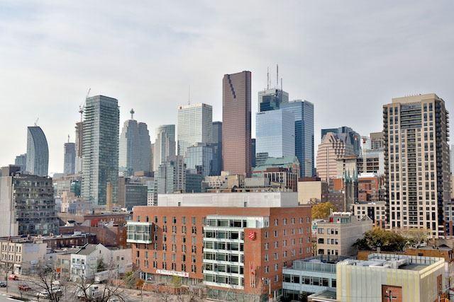 Condo Apartment at 220 George St, Unit 305, Toronto, Ontario. Image 4