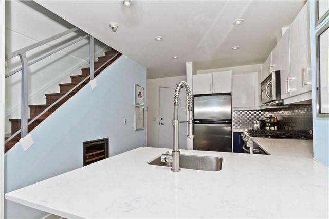 Condo Apartment at 637 Lake Shore Blvd W, Unit 833, Toronto, Ontario. Image 18