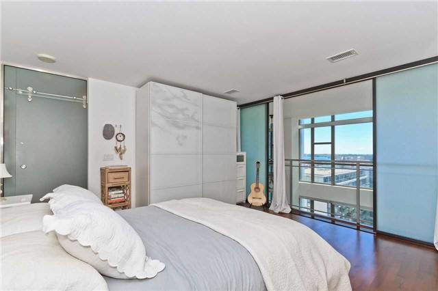 Condo Apartment at 637 Lake Shore Blvd W, Unit 833, Toronto, Ontario. Image 3