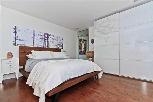 Condo Apartment at 637 Lake Shore Blvd W, Unit 833, Toronto, Ontario. Image 4