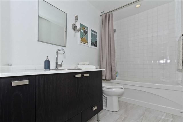 Condo Apartment at 637 Lake Shore Blvd W, Unit 833, Toronto, Ontario. Image 5