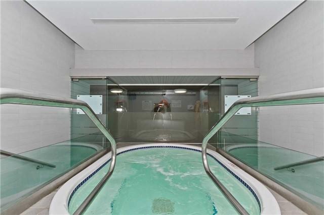 Condo Apartment at 637 Lake Shore Blvd W, Unit 833, Toronto, Ontario. Image 7