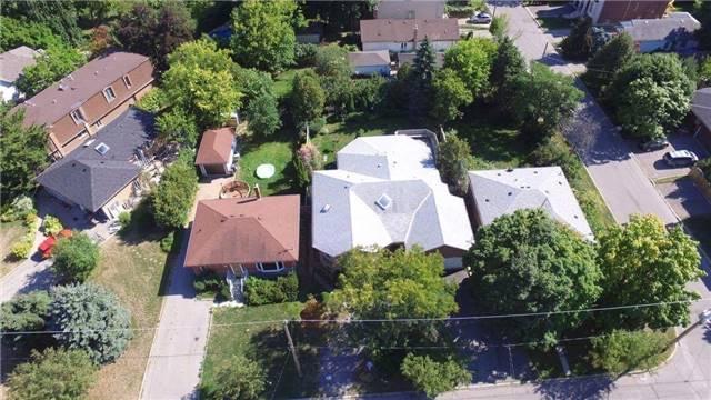 Detached at 319 Horsham Ave, Toronto, Ontario. Image 8