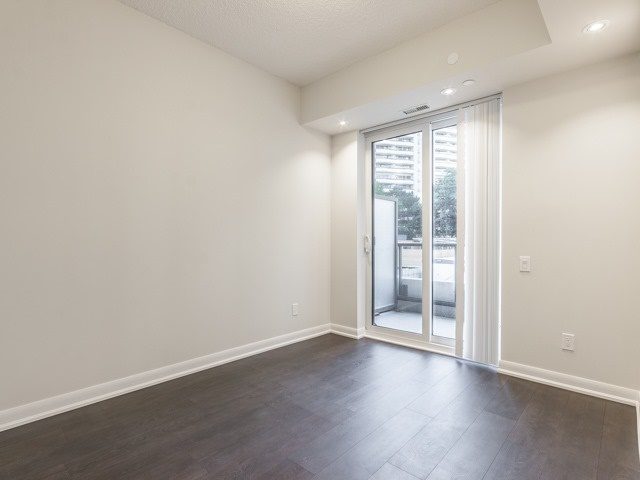 Condo Townhouse at 5168 Yonge St, Unit Th12, Toronto, Ontario. Image 4