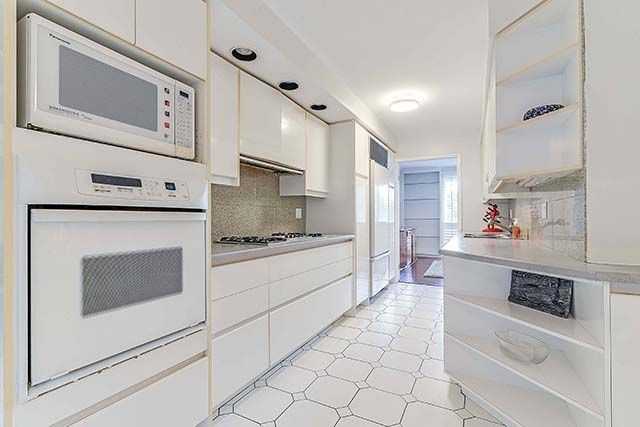 Condo Townhouse at 9 Brassbell Mill Way, Unit 81, Toronto, Ontario. Image 19