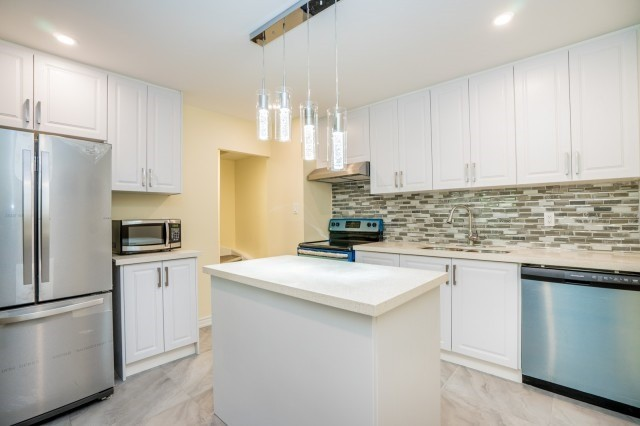 Condo Townhouse at 20 Moonstone  Bywy, Unit 181, Toronto, Ontario. Image 15