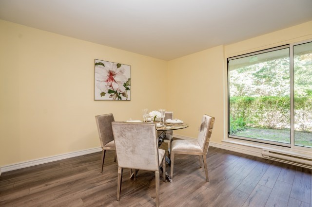 Condo Townhouse at 20 Moonstone  Bywy, Unit 181, Toronto, Ontario. Image 17