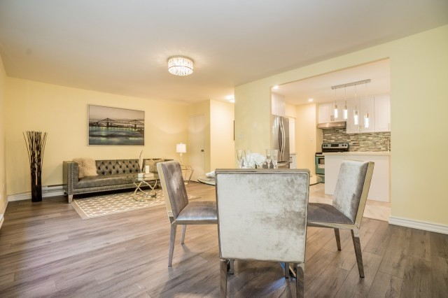 Condo Townhouse at 20 Moonstone  Bywy, Unit 181, Toronto, Ontario. Image 19