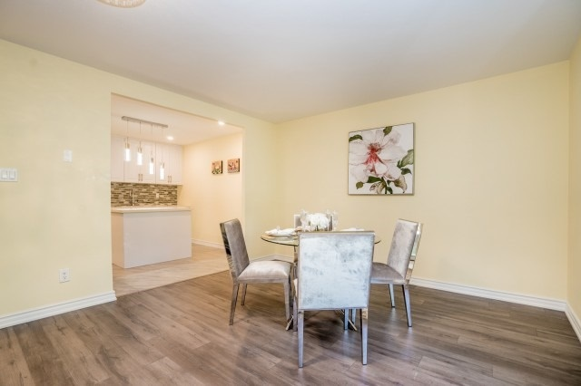 Condo Townhouse at 20 Moonstone  Bywy, Unit 181, Toronto, Ontario. Image 20