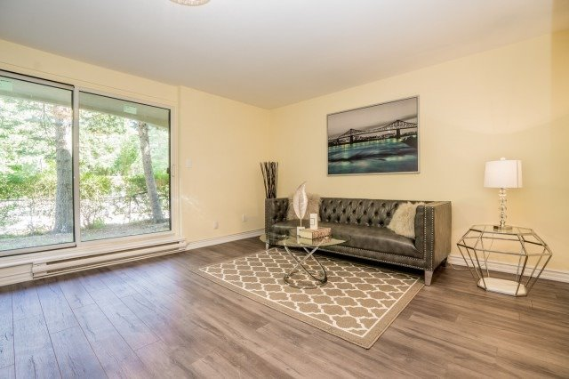 Condo Townhouse at 20 Moonstone  Bywy, Unit 181, Toronto, Ontario. Image 4