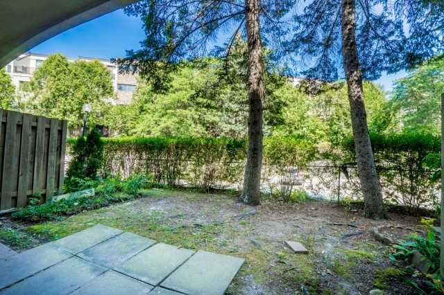 Condo Townhouse at 20 Moonstone  Bywy, Unit 181, Toronto, Ontario. Image 5