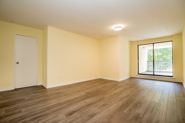 Condo Townhouse at 20 Moonstone  Bywy, Unit 181, Toronto, Ontario. Image 7