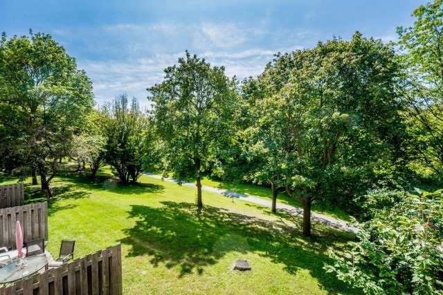 Condo Townhouse at 20 Moonstone  Bywy, Unit 181, Toronto, Ontario. Image 10