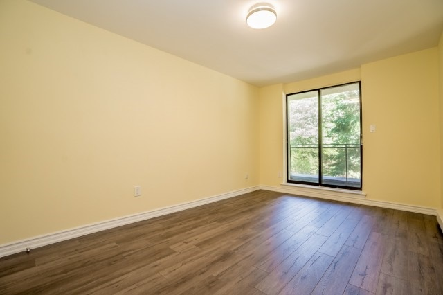 Condo Townhouse at 20 Moonstone  Bywy, Unit 181, Toronto, Ontario. Image 11
