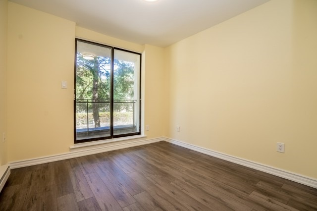 Condo Townhouse at 20 Moonstone  Bywy, Unit 181, Toronto, Ontario. Image 13