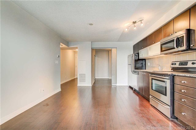 Condo Apartment at 2015 Sheppard Ave, Unit 2011, Toronto, Ontario. Image 17