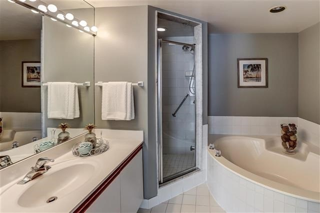 Condo Apartment at 215 The Donway West, Unit 410, Toronto, Ontario. Image 3