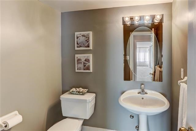 Condo Apartment at 215 The Donway West, Unit 410, Toronto, Ontario. Image 5