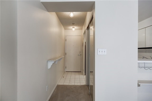 Condo Apartment at 7 Carlton St, Unit 304, Toronto, Ontario. Image 14