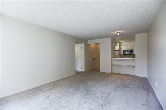 Condo Apartment at 7 Carlton St, Unit 304, Toronto, Ontario. Image 18