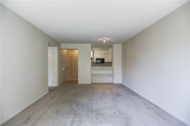 Condo Apartment at 7 Carlton St, Unit 304, Toronto, Ontario. Image 19