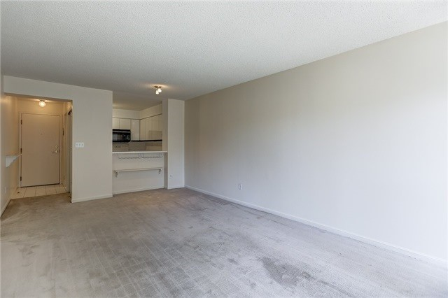 Condo Apartment at 7 Carlton St, Unit 304, Toronto, Ontario. Image 20