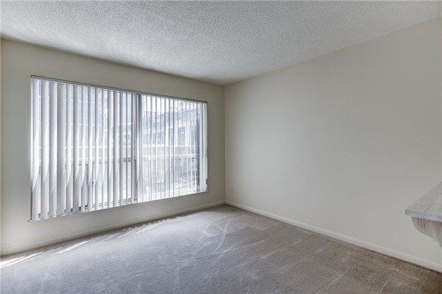 Condo Apartment at 7 Carlton St, Unit 304, Toronto, Ontario. Image 5