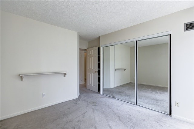 Condo Apartment at 7 Carlton St, Unit 304, Toronto, Ontario. Image 7