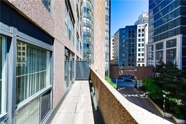 Condo Apartment at 7 Carlton St, Unit 304, Toronto, Ontario. Image 13