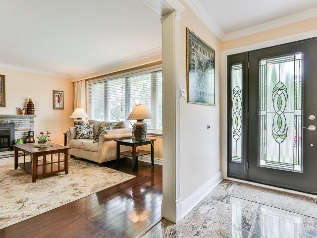 Detached at 36 Lissom Cres, Toronto, Ontario. Image 14