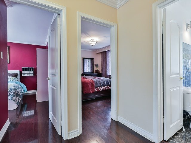 Detached at 36 Lissom Cres, Toronto, Ontario. Image 3