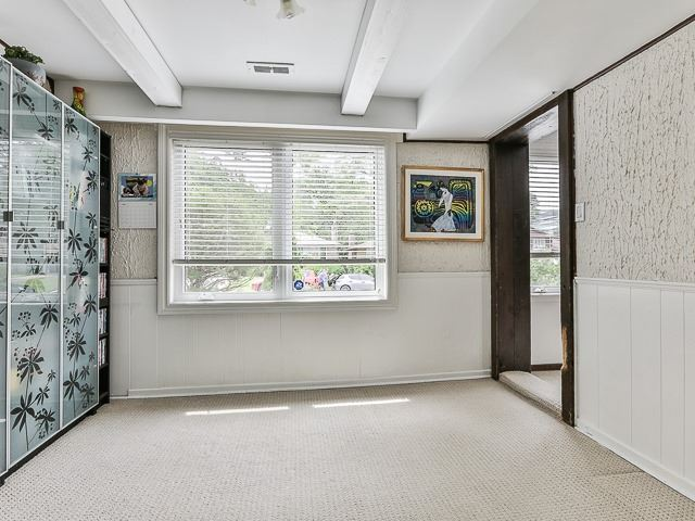 Detached at 36 Lissom Cres, Toronto, Ontario. Image 8