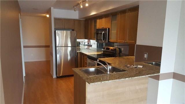 Condo Apartment at 761 Bay St, Unit 2104, Toronto, Ontario. Image 12