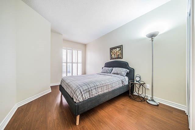 Condo Apartment at 55 Bloor St E, Unit 303, Toronto, Ontario. Image 7