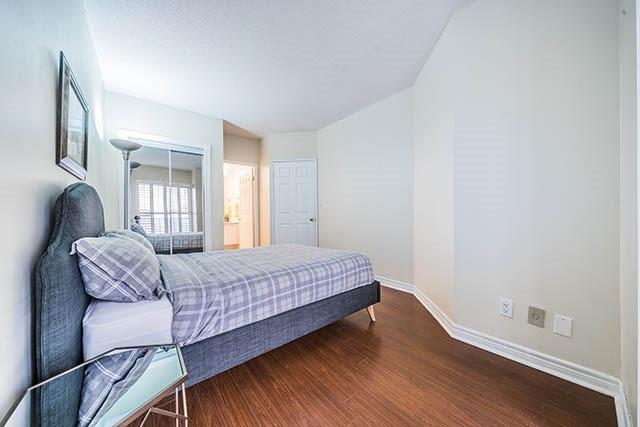 Condo Apartment at 55 Bloor St E, Unit 303, Toronto, Ontario. Image 8
