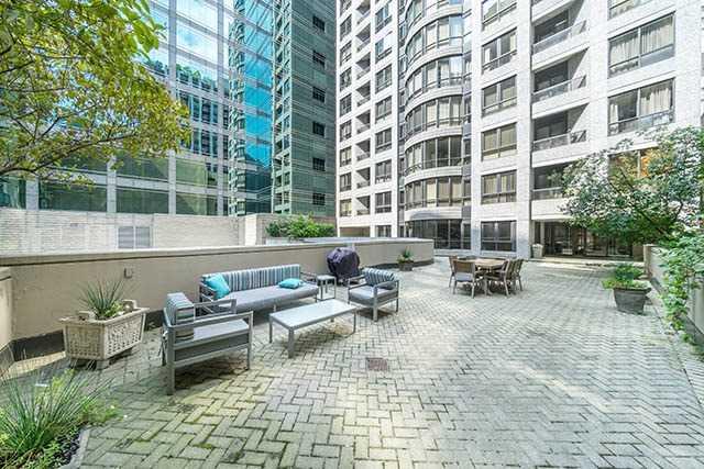 Condo Apartment at 55 Bloor St E, Unit 303, Toronto, Ontario. Image 13