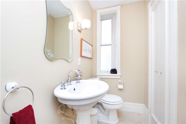 Semi-detached at 486 Euclid Ave, Toronto, Ontario. Image 13