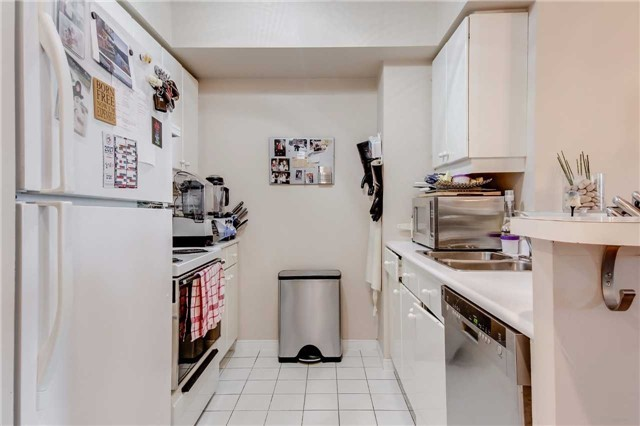 Condo Apartment at 10 Queens Quay W, Unit 2404, Toronto, Ontario. Image 13