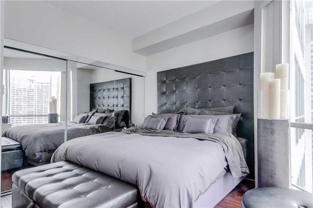 Condo Apartment at 10 Queens Quay W, Unit 2404, Toronto, Ontario. Image 15