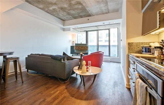 Condo Apartment at 15 Beverley St, Unit 403, Toronto, Ontario. Image 9