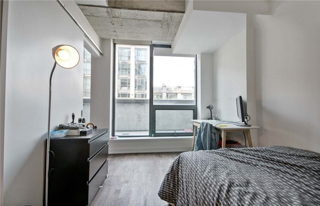 Condo Apartment at 15 Beverley St, Unit 403, Toronto, Ontario. Image 12