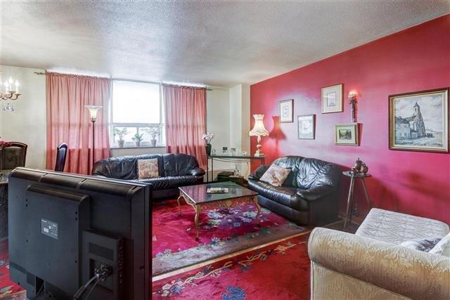 Condo Apartment at 130 Neptune Dr, Unit #305, Toronto, Ontario. Image 16