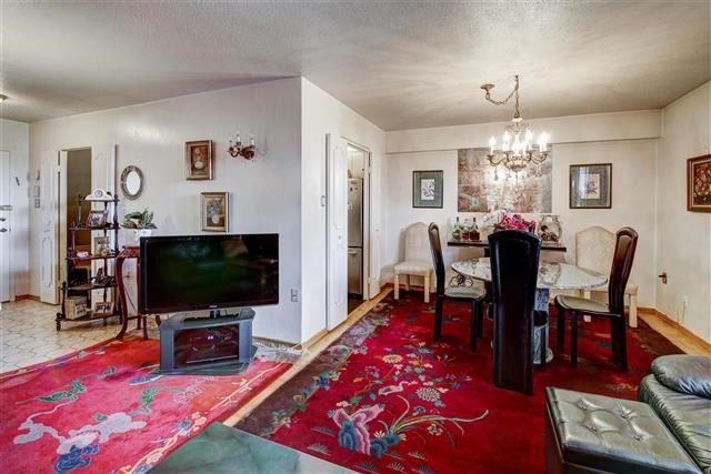 Condo Apartment at 130 Neptune Dr, Unit #305, Toronto, Ontario. Image 17