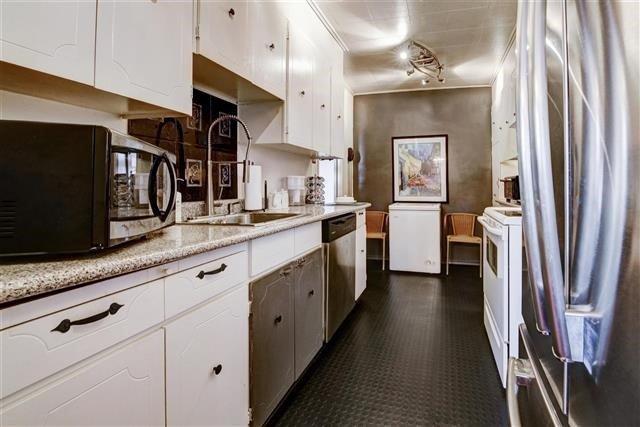 Condo Apartment at 130 Neptune Dr, Unit #305, Toronto, Ontario. Image 19