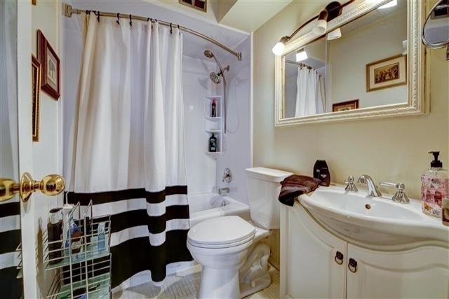 Condo Apartment at 130 Neptune Dr, Unit #305, Toronto, Ontario. Image 4