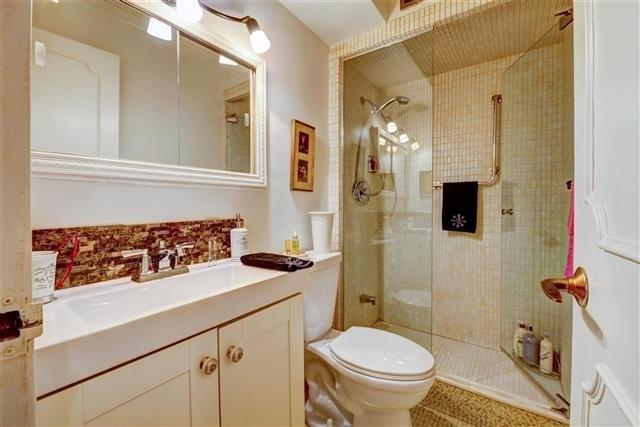 Condo Apartment at 130 Neptune Dr, Unit #305, Toronto, Ontario. Image 6
