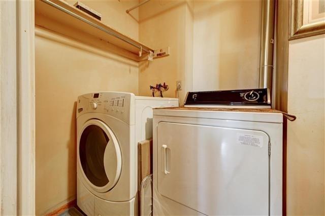 Condo Apartment at 130 Neptune Dr, Unit #305, Toronto, Ontario. Image 7