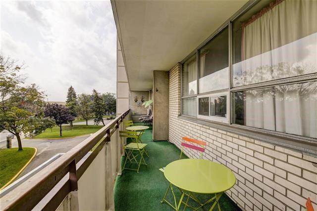 Condo Apartment at 130 Neptune Dr, Unit #305, Toronto, Ontario. Image 8