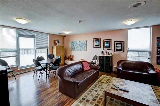 Condo Apartment at 130 Neptune Dr, Unit #305, Toronto, Ontario. Image 9